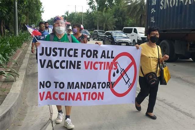 La PNP emite una advertencia frente a los manifestantes contra las vacunas que violan los protocolos de salud