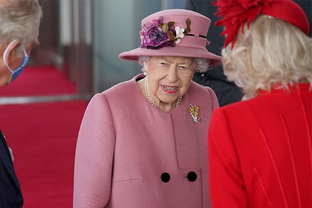 La reina de Gran Bretaña irritada por los líderes que solo hablan sobre el cambio climático